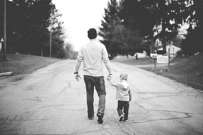 permiso padre viajar con hijo